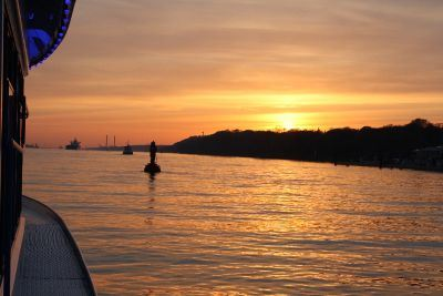 Sonnenuntergang Bord-Party