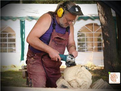 10 Bildhauerkurse mit Holz K1 bei Berlin