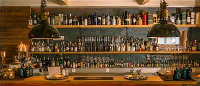 Schnaps Tasting an der Bar