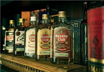 Rum Verkostung Cuba mit Zigarre