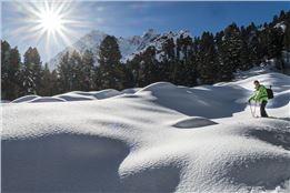 17/18_Spuren im Schnee