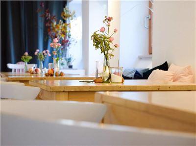 Freistil Tisch