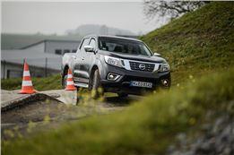 1/2 Tag Offroad Training mit gestelltem Nissan Navara
